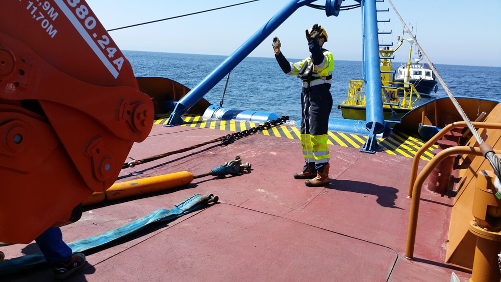 Photo prise lors de la mise à l'eau du LiDAR flottant