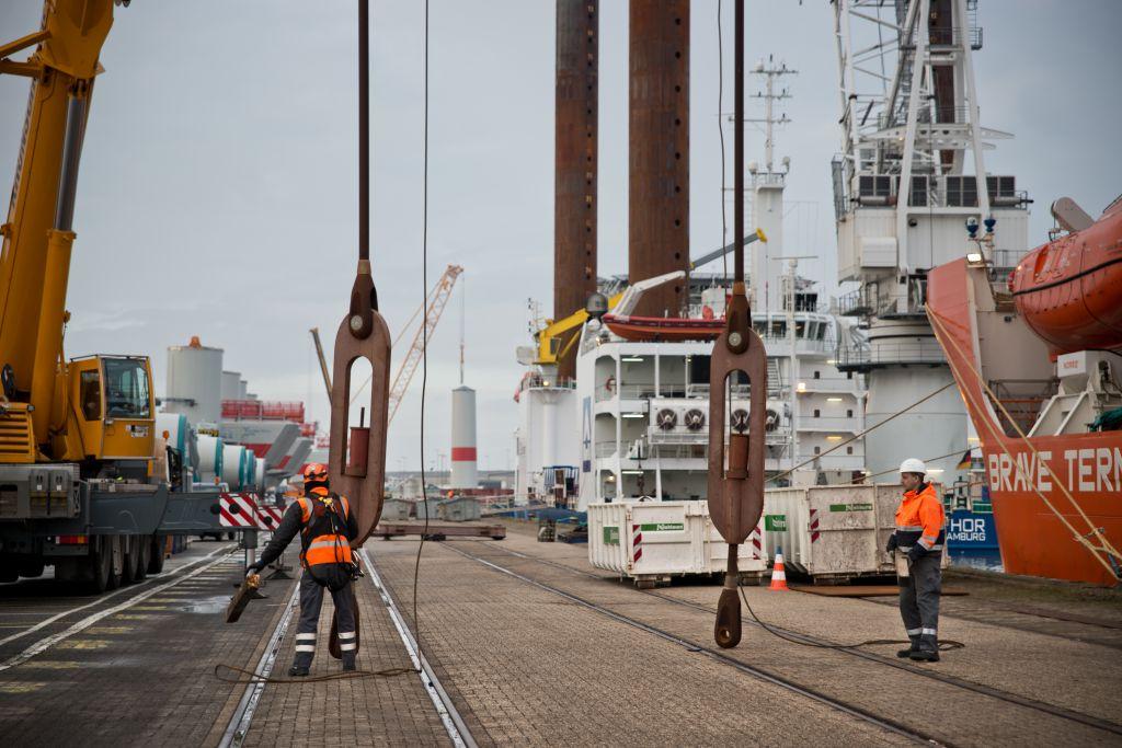 Photo illustrant le projet de la société Éoliennes en Mer Îles d'Yeu et de Noirmoutier sur la mobilisation du tissu industriel local