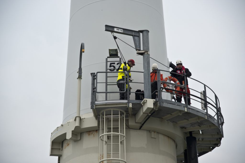 Photo prise lors de la maintenance d'un parc éolienne en mer ( Îles d'Yeu et de Noirmoutier)