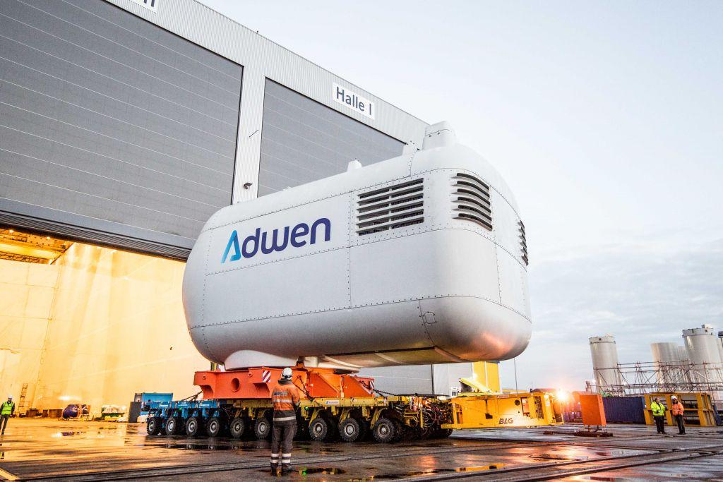 Photo prise lors de la construction d'une éolienne par l'entreprise Adwen ( Îles d'Yeu et de Noirmoutier)